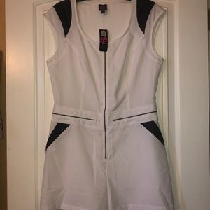 2B Bebe size Large white and black Romper